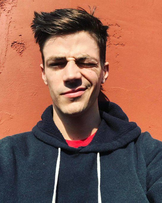 Dono das melhores selfies simm pode entrar grant gustin HAPPY BDAY GRANT FROM BRAZIL