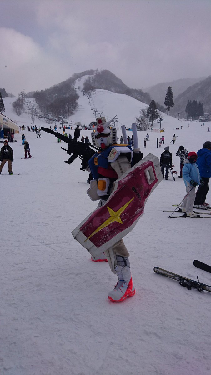 スノーボード業界では有名なガンダムさんおった!!!!まさか奥伊吹スキー場に来てるとは😅ちょっと話しもできて嬉しかった✨#