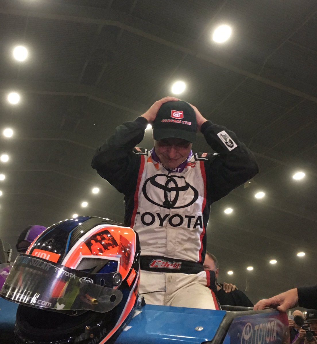 Pure emotion from @cbnationals WINNER @CBellRacing...Congratulations! #ChiliBowl2017 https://t.co/TIPqWPUCBT