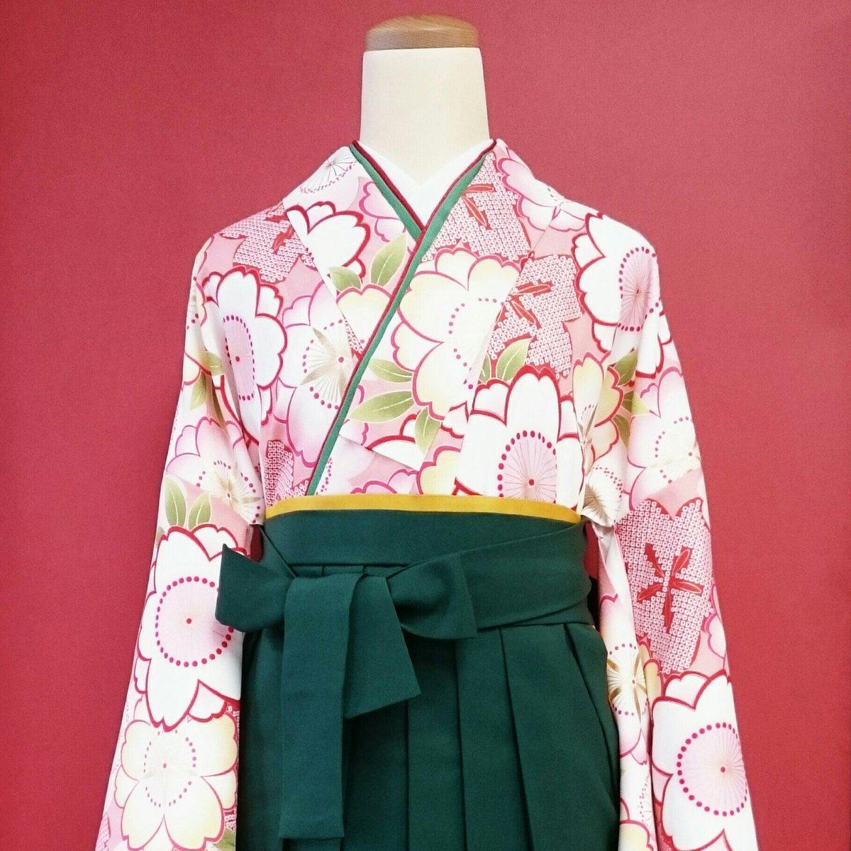 百人一首  競技かるた  の季節ですね。漫画「ちはやふる」の 大江 奏 さんをイメージして、袴姿の着付けをしてみました。