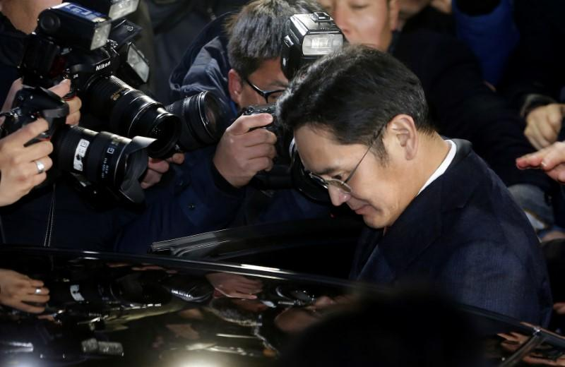 South Korea prosecutor to decide on Samsung leader's arrest warrant on Monday