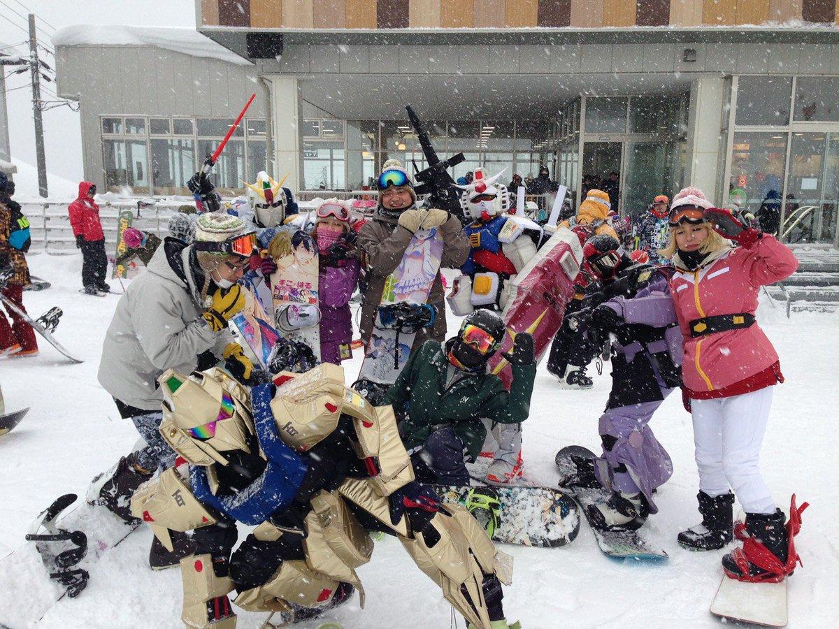 生ガンダムさん(  )と(*´ω`*)今年も一緒に滑れて良かったー(о´∀`о)今日は吹雪すごかったけどパウダーで最高だ