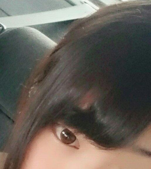 ねむたいからねむる  前髪きもすぎw 流れる前髪作り苦戦中 https://t.co/doAGzOolTi