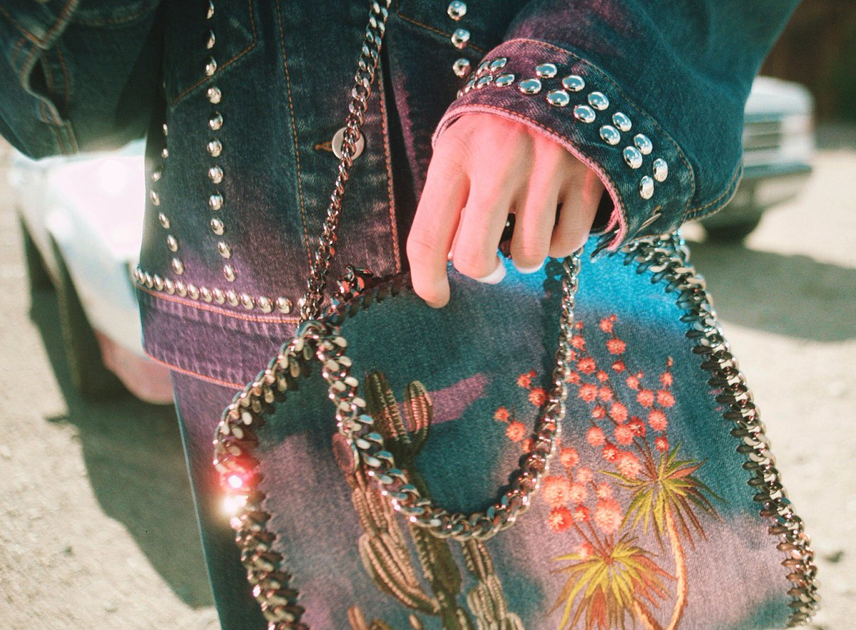 The classic #Falabella heads west with cactus embroidery on denim: https://t.co/squvQLknHm https://t.co/p8gSGRZ7hX