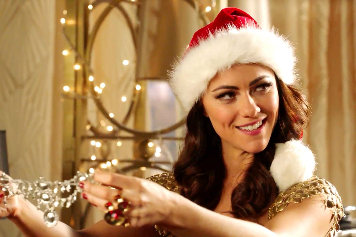 It's Christmas in the palace, but nothing is merry or bright—our TheRoyals recap: