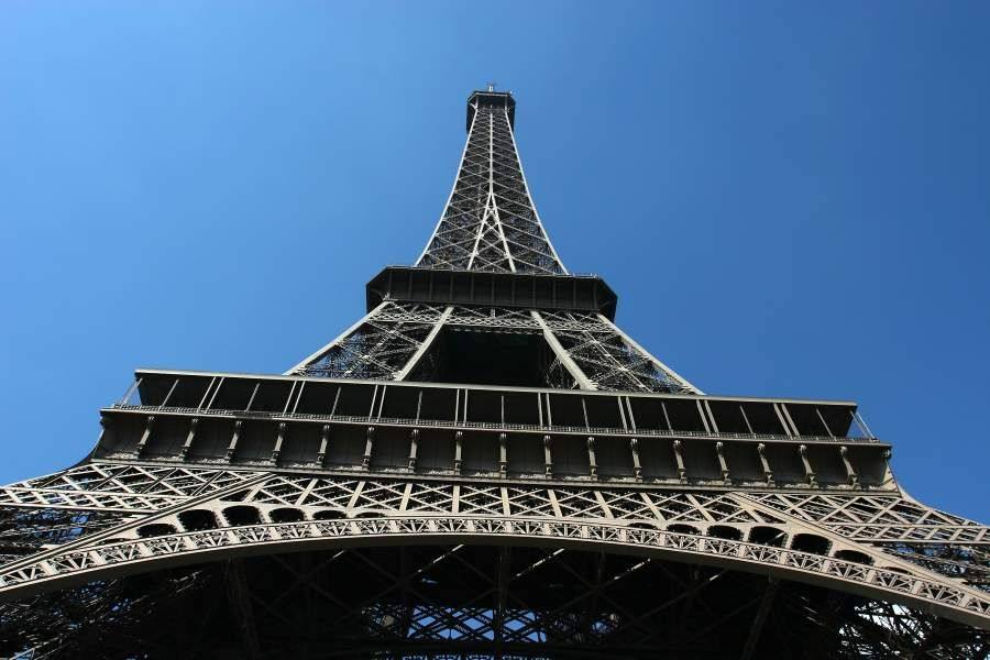 A view of the #Eiffel tower in #Paris  #France #travel https://t.co/kU7GjGhHdL https:/ ...