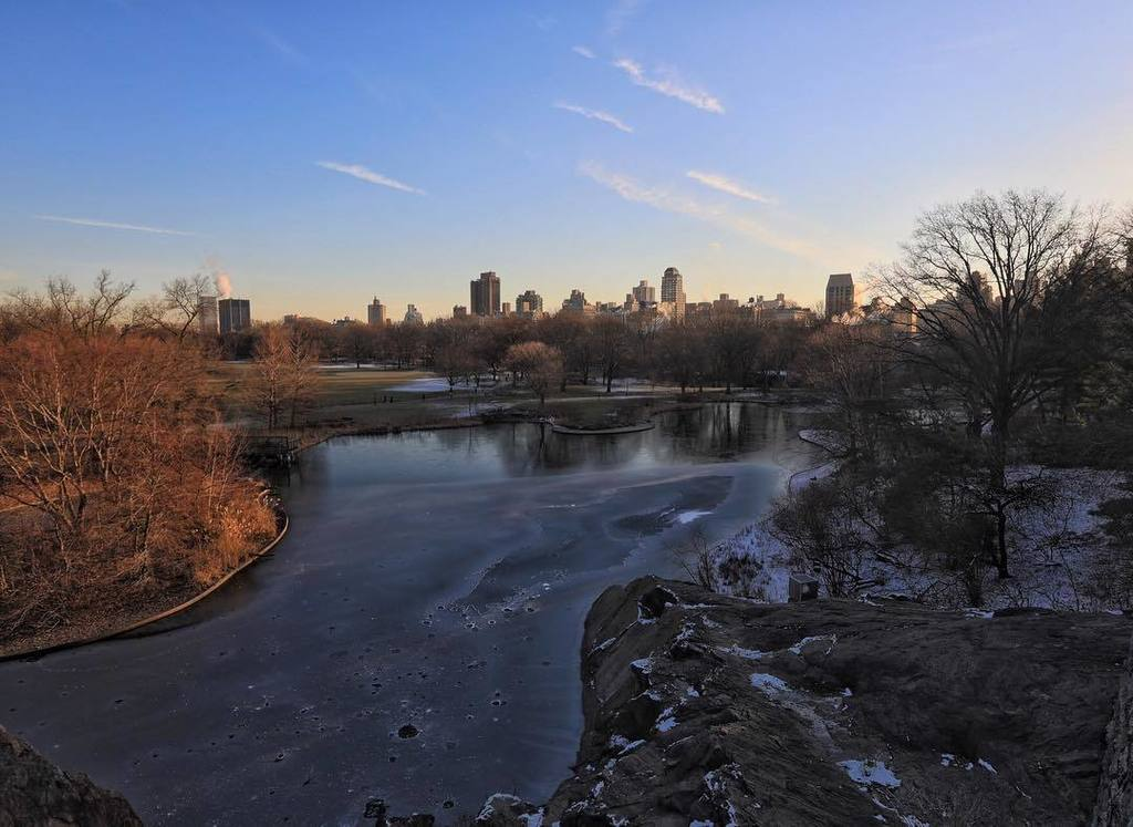 View from the castle #centralparknyc #nyc #park https://t.co/EDuMEprSCV https://t.co/k ...
