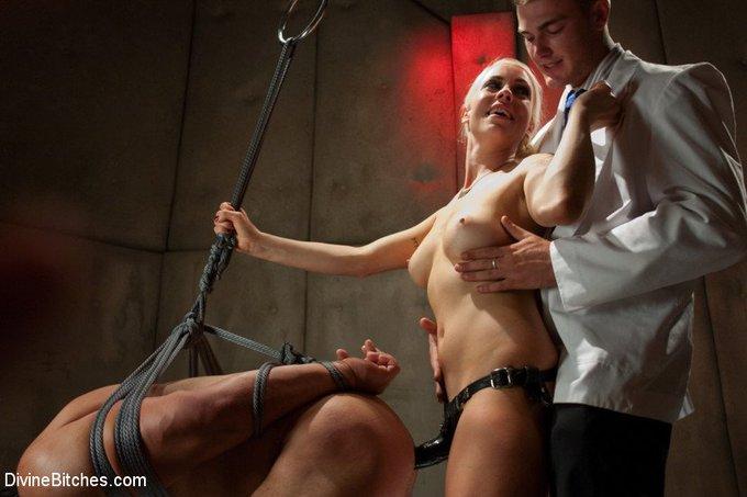 https://t.co/hZGry5bni1 #LoreleiLee #strapon #pegging #femdom #cuckold #forcedbi #bondage #chastity https://t