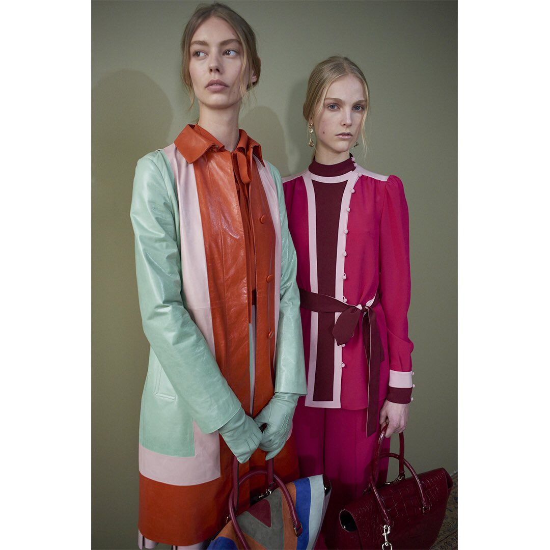 Color blocking backstage. #PreFall17 by #PierpaoloPiccioli https://t.co/626GYGP5Nq