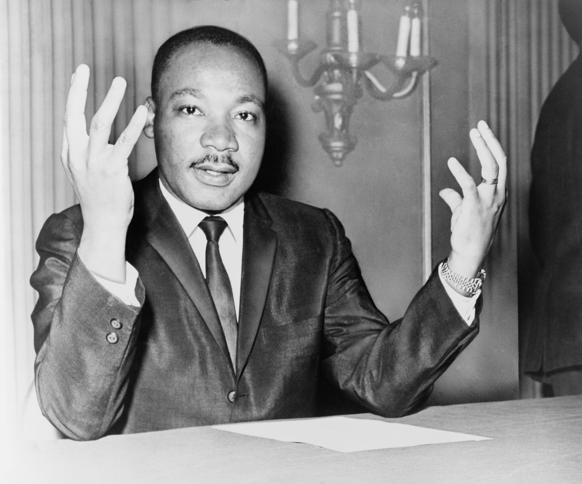 """""""We must accept finite disappointment, but never lose infinite hope."""" - Martin Luther King Jr, #MLKDAY #quotes https://t.co/ZD67iPmFGG"""