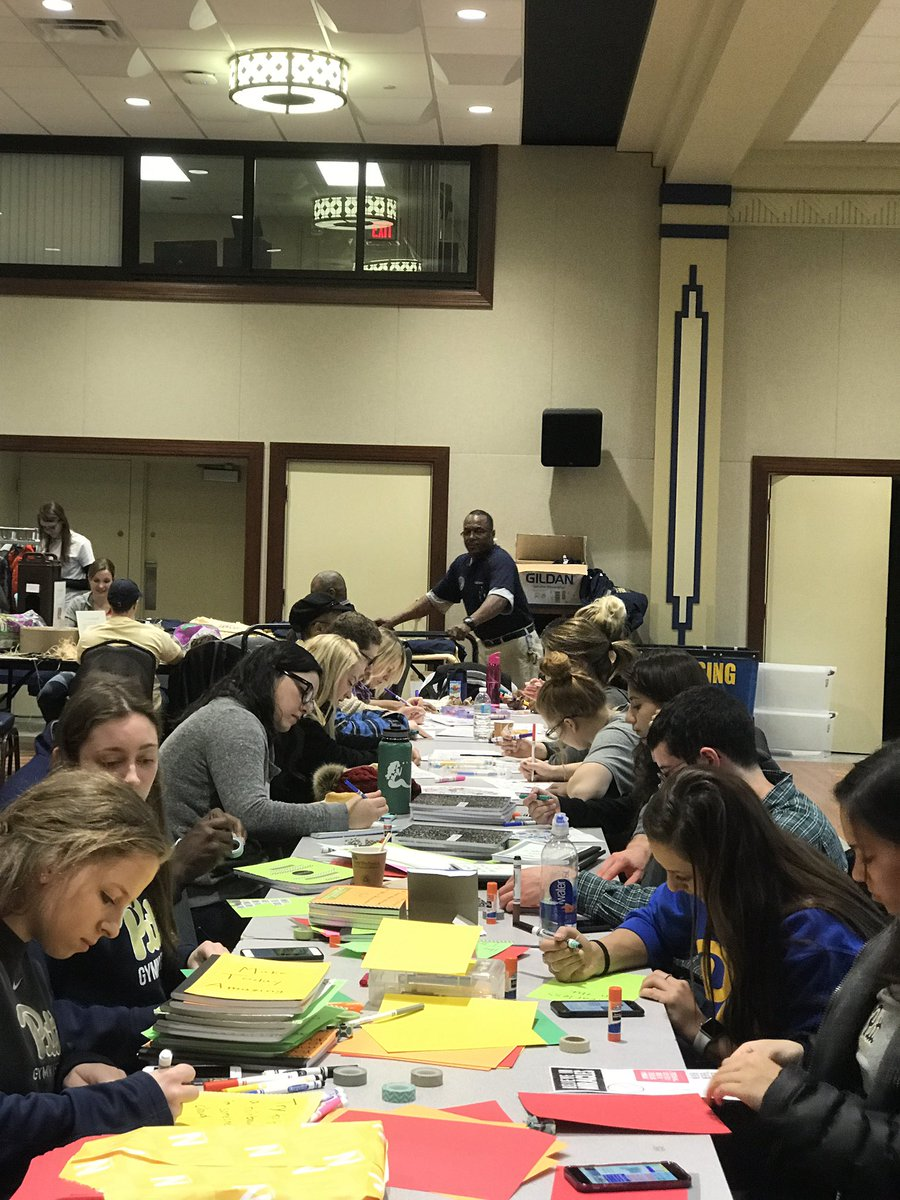 RT @PittStudents: MLK Day of Service is in full swing! #Mlkday #pittcares https://t.co/0YxMz04HnJ