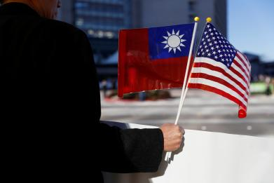 "China will ""take off the gloves"" if Trump continues Taiwan provocation"