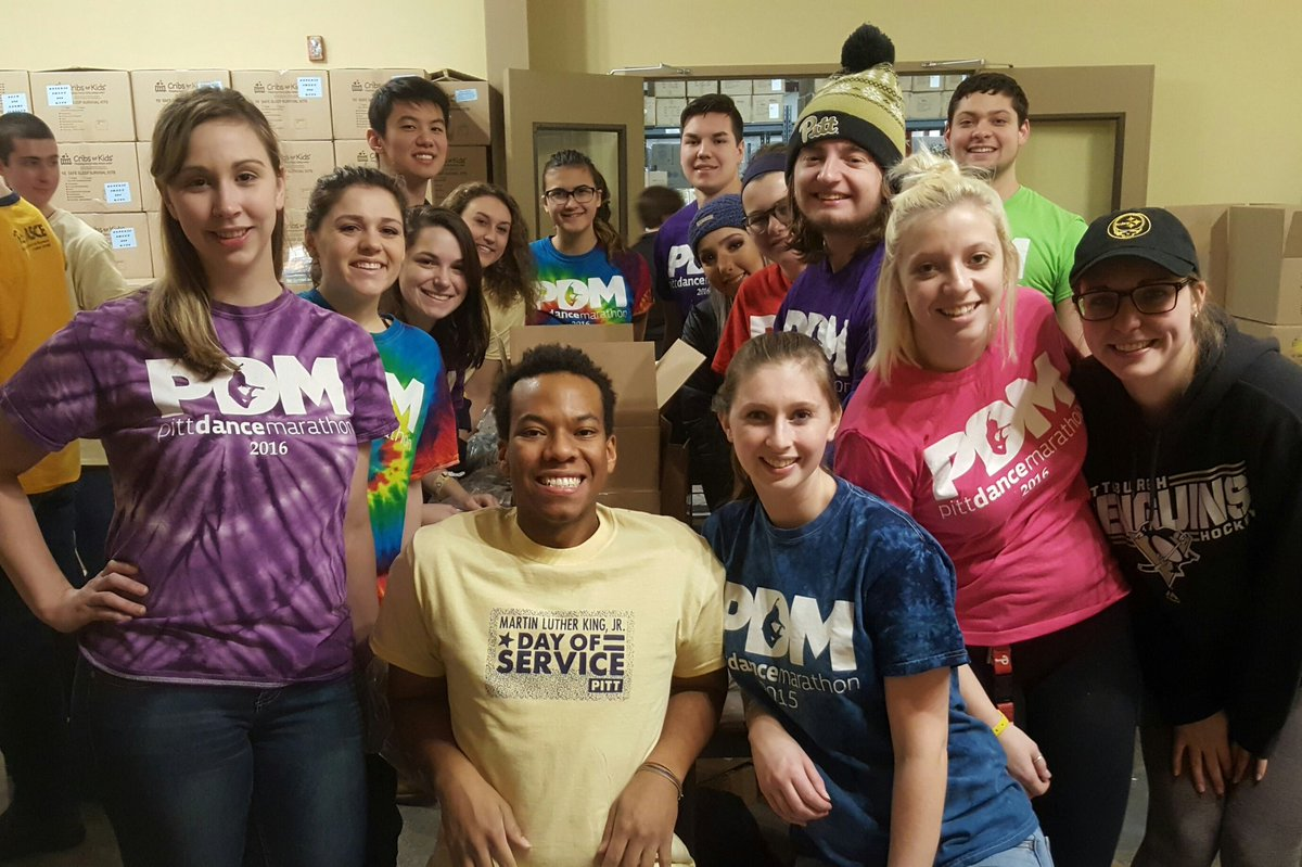 RT @PittStudents: Students from @PITTpdm showed up in full force at Cribs for Kids! #PittCares #MLKDAY https://t.co/FNeSTEHIjr