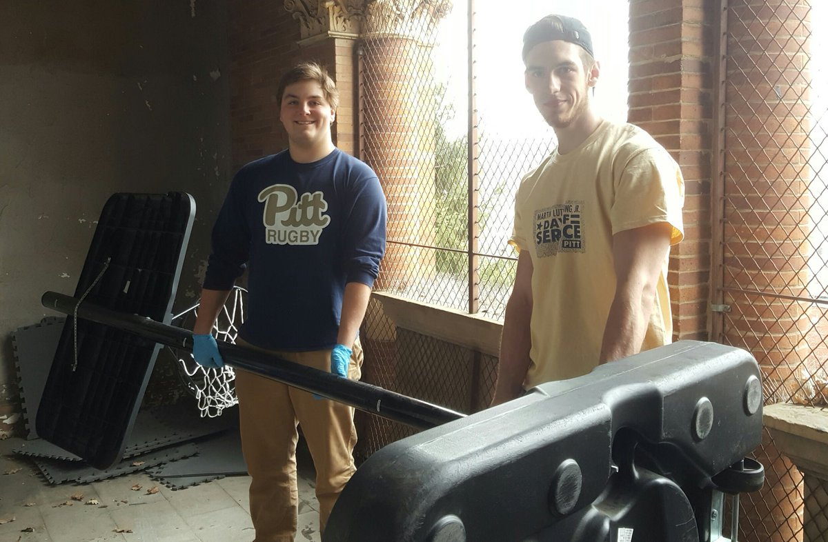 RT @PittStudents: The @PittRugby team is doing some heavy lifting at Carnegie Library of Homestead #PittCares #MLKDAY https://t.co/eQutFi1w…
