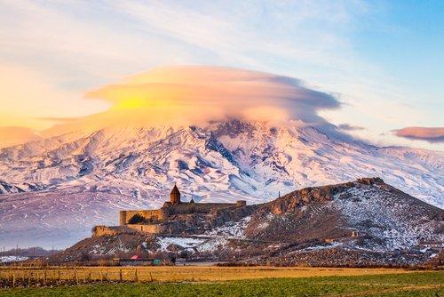 10 reasons to travel to #Armenia in 2017 »  https://t.co/X5tN2qvZh0 https://t.co/sZt2AXnfPo