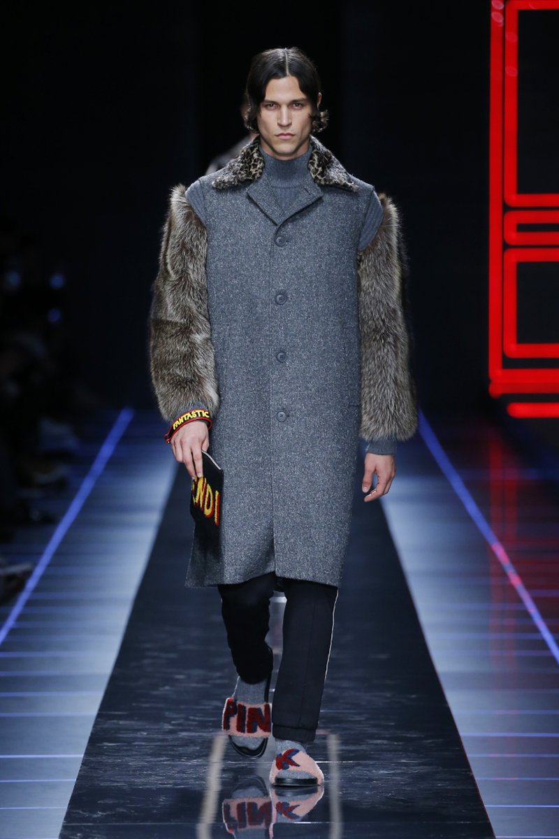 Luxe fabrics meets sporty silhouettes. @miles_mcmillan on the #FendiFW17 catwalk at #MFW https://t.co/F8reAKIg6G