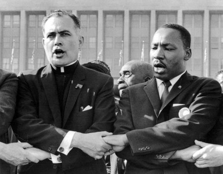 You've seen the picture of Fr. Ted and MLK, but do you know the story behind it? https://t.co/PmDkcFiBac https://t.co/0UZSsQ85mi