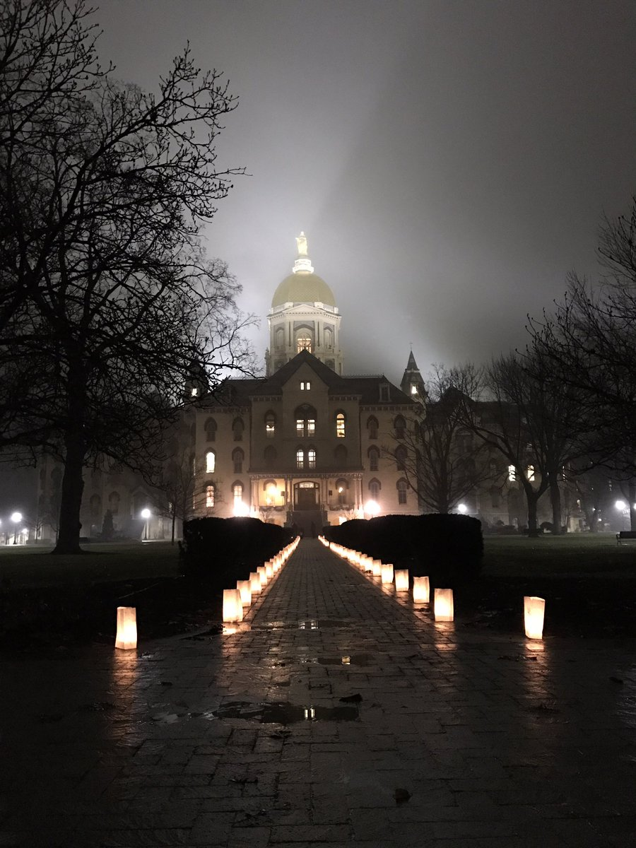 Luminaries light the way to the Main Building where we will honor Martin Luther King Jr. tonight at 11 pm https://t.co/yMzC9SIhaZ