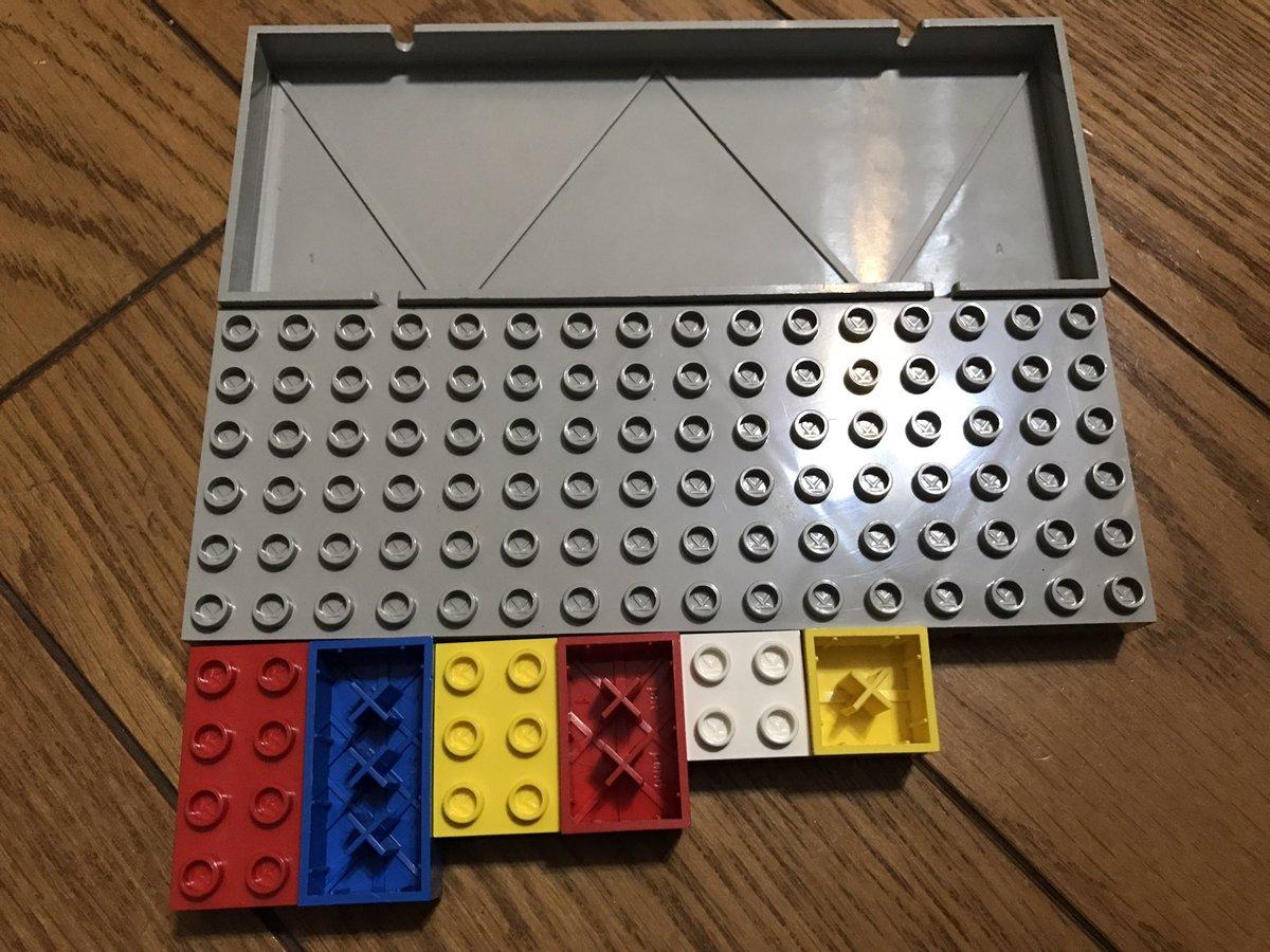 友達から譲り受けたLEGOが、LEGOじゃない件 ○の中にKって書いてあって、裏が×になってる https://t.co/dXpqVsZstH