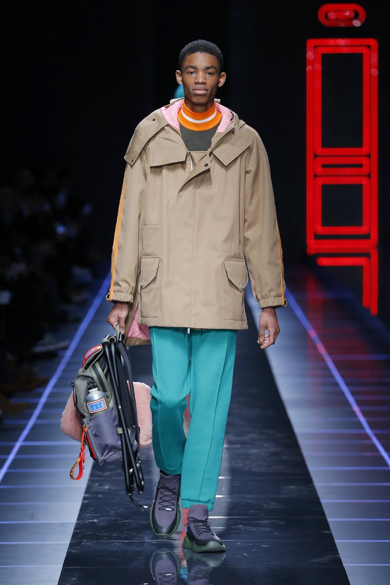 Athletic gear gets elevated with the highest quality craftsmanship. #FendiFW17 at #MFW https://t.co/zrNELUKLfV
