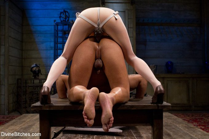 https://t.co/Nyyc0oAycl #LoreleiLee #strapon #pegging #femdom #bondage #humbler #asslicking #rimming