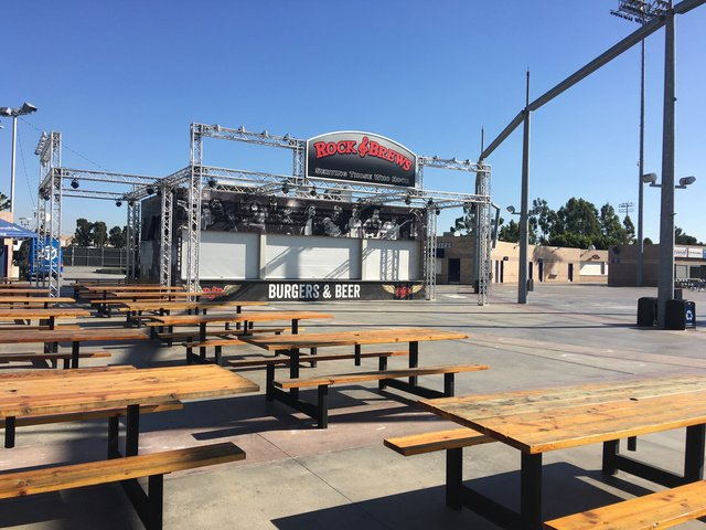 There Is A Rock Brews And Picnic Tables For Los Angeles Chargers - Picnic table los angeles