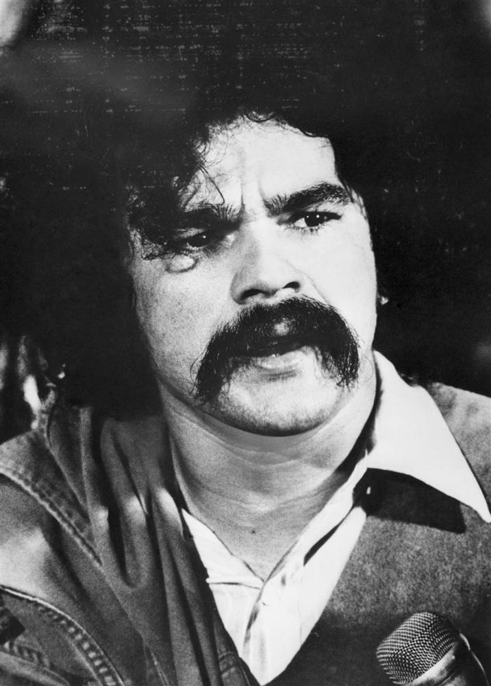 "Pres. Obama commutes sentence for Oscar López-Rivera, who was convicted of ""seditious conspiracy"" in 1981."