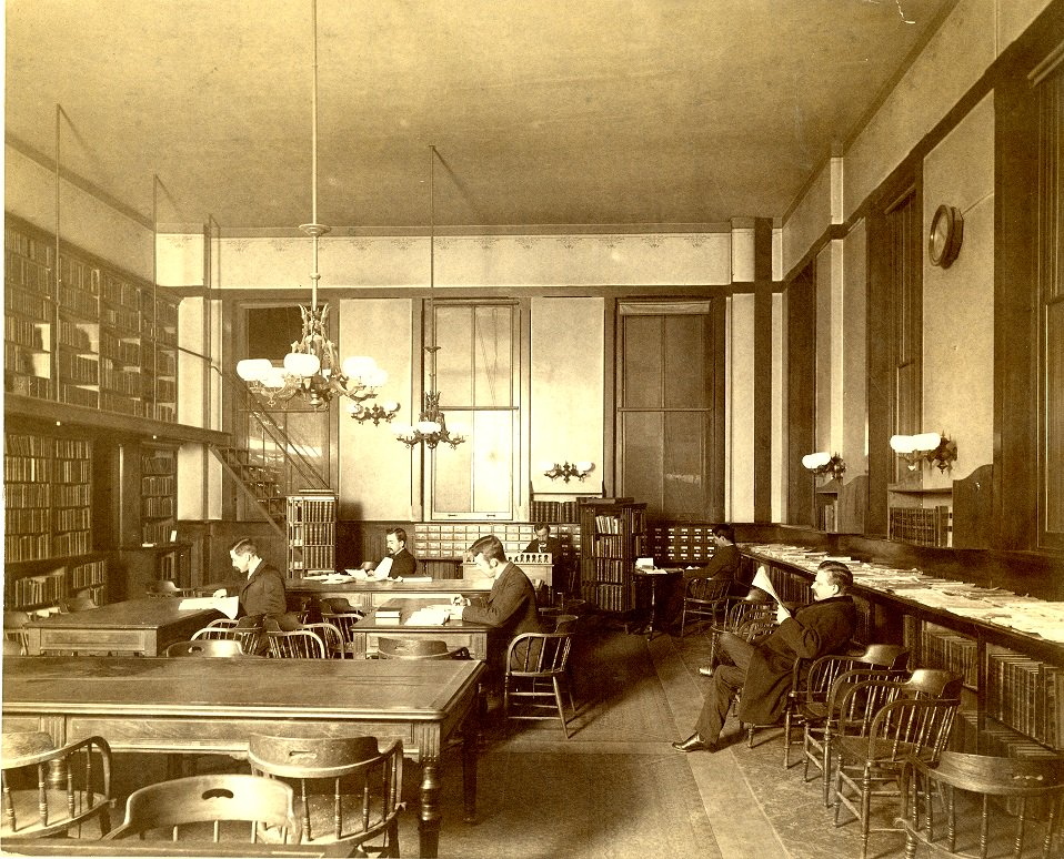 RT @HopkinsRetro: An old photo from the old downtown @JohnsHopkins campus library in 1885. https://t.co/Yy6WFuaU6E