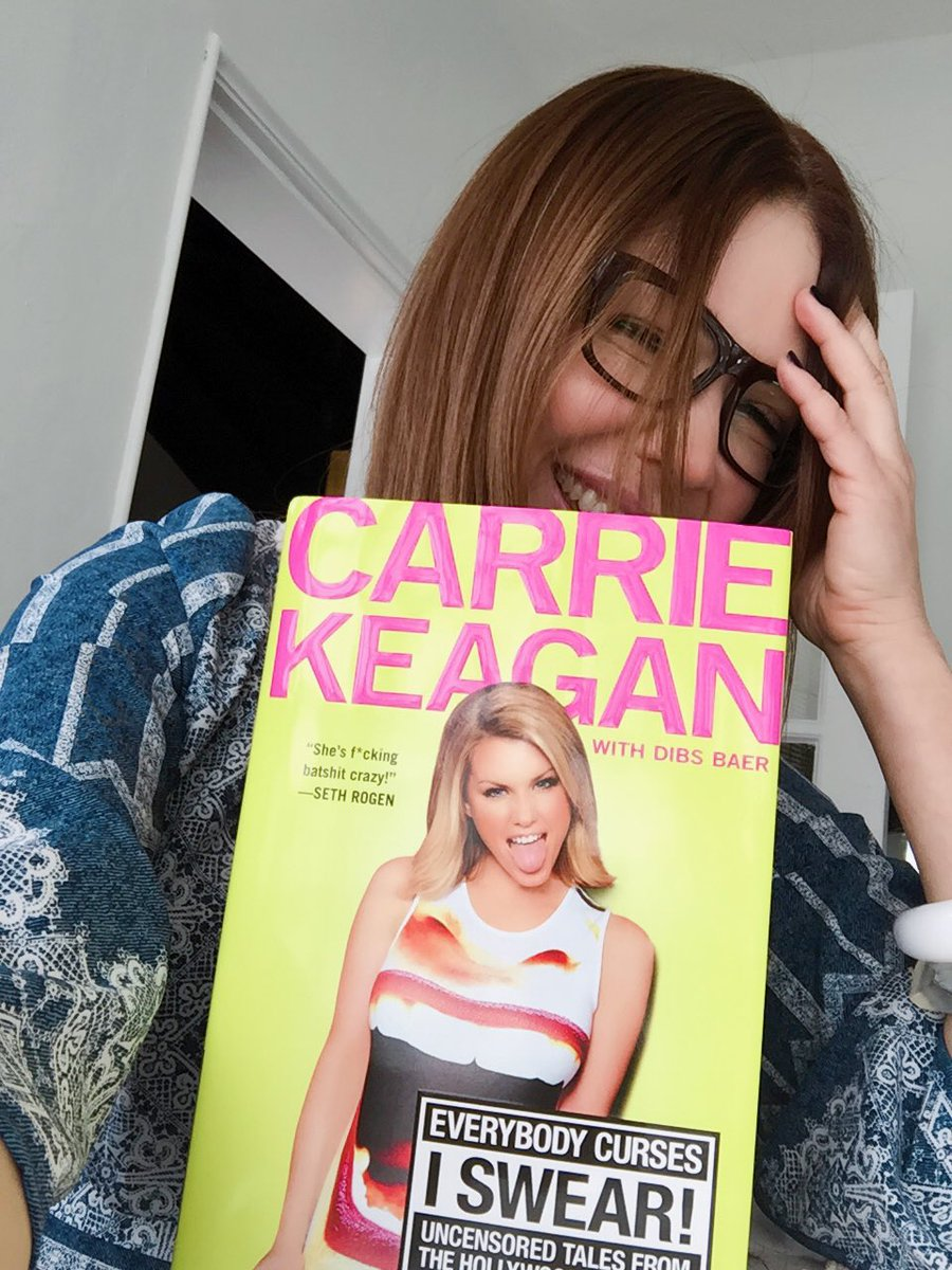 Omg! What a read @CarrieKeagan thanks for the book #everybodycurses