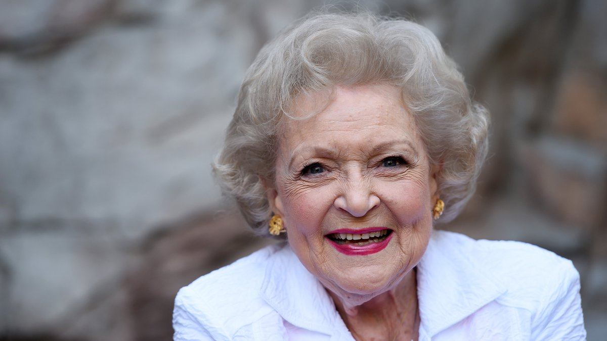 RT @RollingStone: Happy birthday Betty White! Here's a look back at her career https://t.co/ZEDJgRHLen