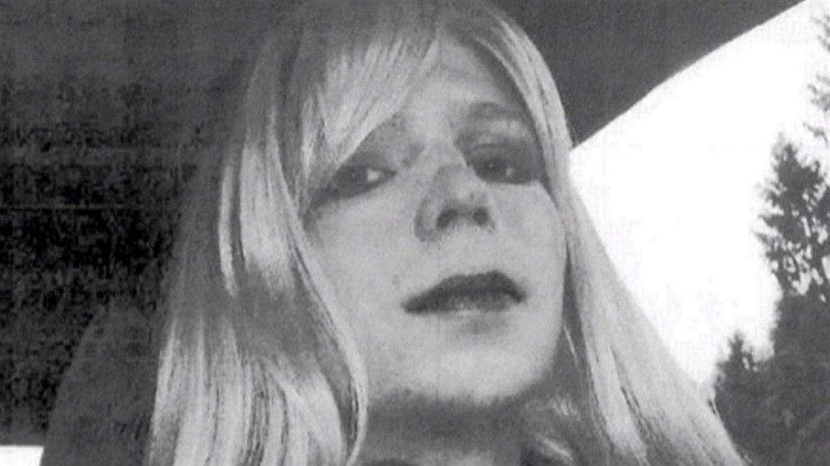 BREAKING White House Pres. Obama is commuting Chelsea Manning's sentence; sentence to expire May 17.