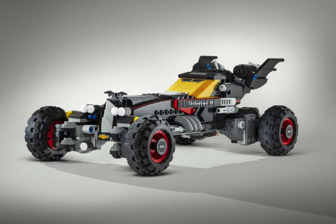 Chevy just built a life-size Batmobile out of Lego bricks. https://t.co/abgnEAt4DT https://t.co/ysHN