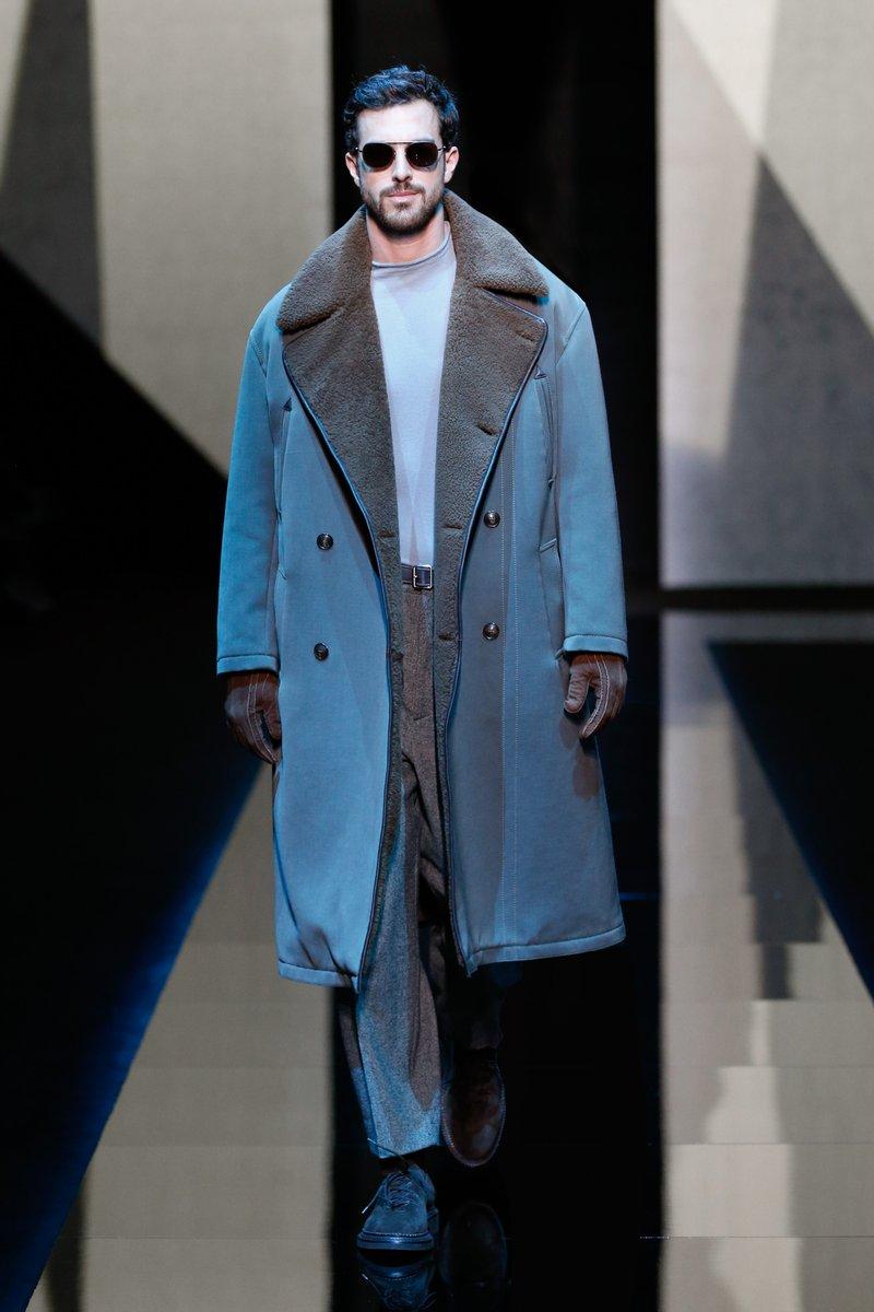 ジョルジオ アルアーニ 17-18FW 最新ルック。#GiorgioArmani #MFW #17FW https://t.co/zLzov4Zniv