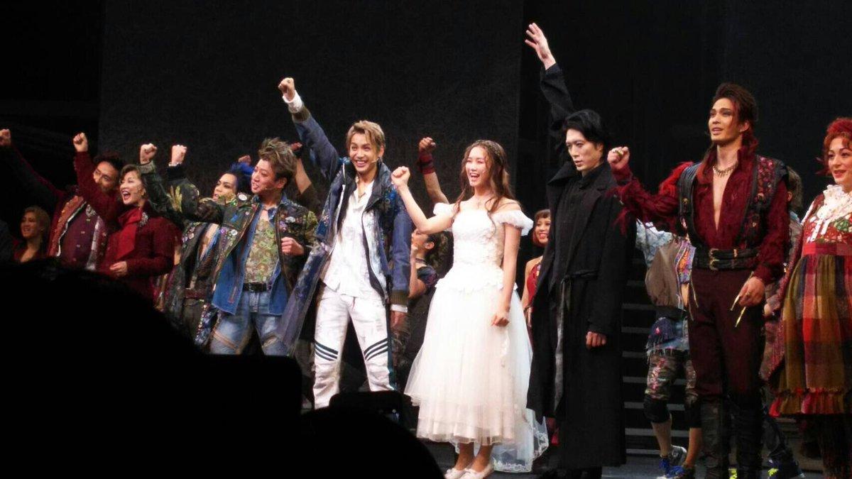 ロミオ&ジュリエット 3日目、今日は2回公演です!最近『弱虫ペダル』を読んでるからか、赤坂まで自転車で来たい衝動