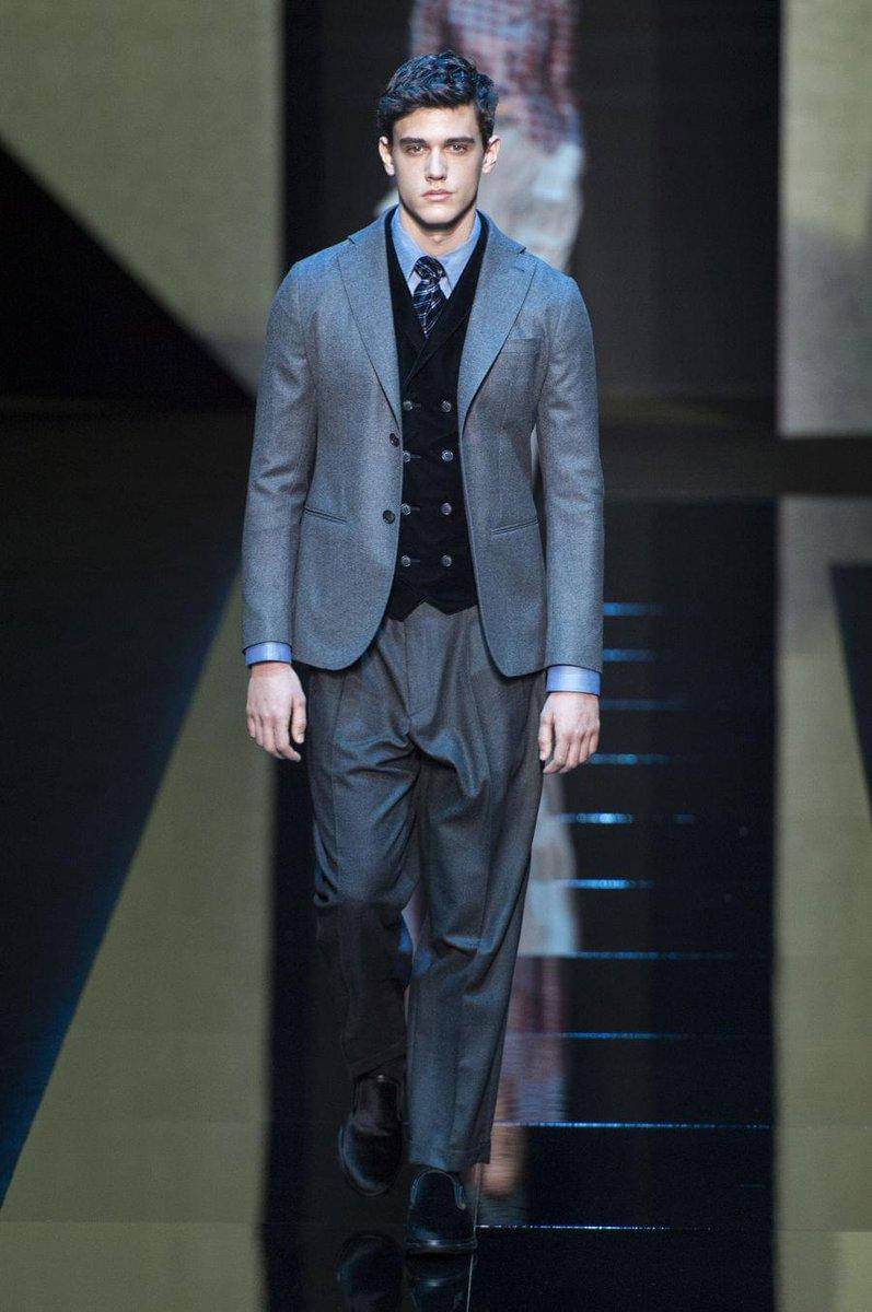 RT @CasaBRUTUS: 【ミラノコレクションより】ジョルジオ アルマーニ 2017秋冬コレクション。 https://t.co/XnXOEBZWxg #GiorgioArmani #MFW @armani @ARMANI_JAPAN https://t.co/uML0y…