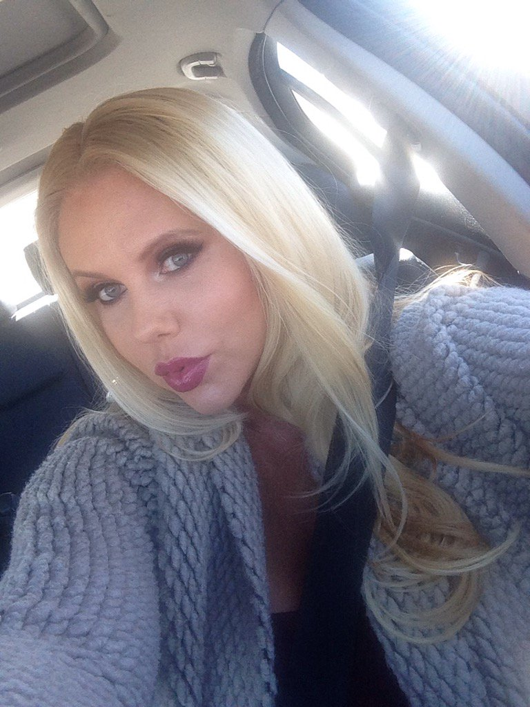 View Twitter pictures on Lookedon.com for Karen Fisher I?m the Ultimate MILF San Fran 14-18