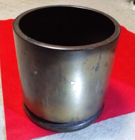 第358話「火鉢の使い方」。私の部屋にも火鉢があります。本体は銅製で脚は木製です。しかしエアコンがあるので炭をくべること