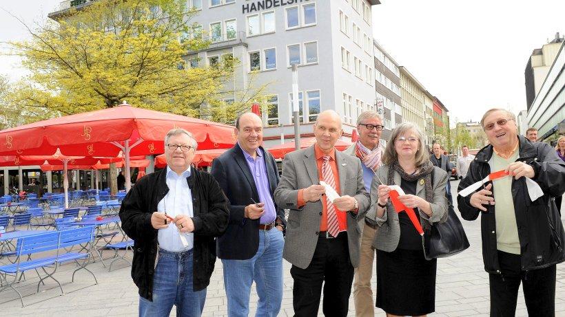 RT @WAZ_Bochum: politik: Trauer um Dieter Heldt https://t.co/Rc6JANpBCP https://t.co/6JJLYW7M8Q
