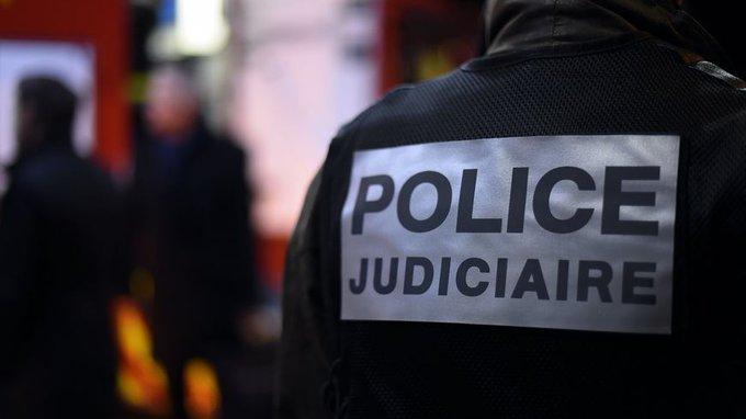 🇫🇷 #IndreEtLoire 475 kg de cannabis saisis après une course-poursuite. https://t.co/YsLFvB3UBj