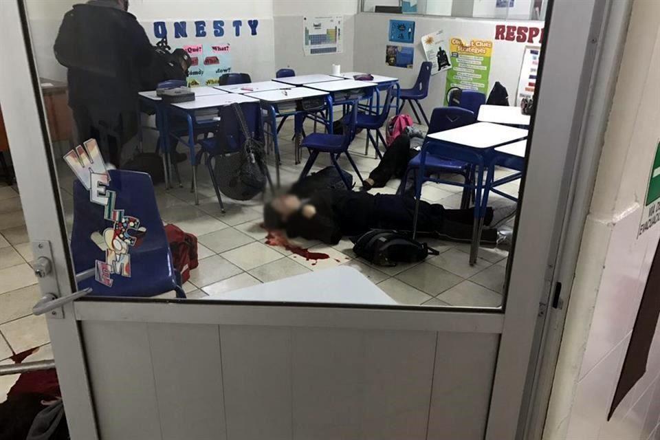Confirma Estado que menor de 15 años baleó a compañero y maestra en colegio y luego se disparó; todos quedan graves. https://t.co/23JUdPAyZN