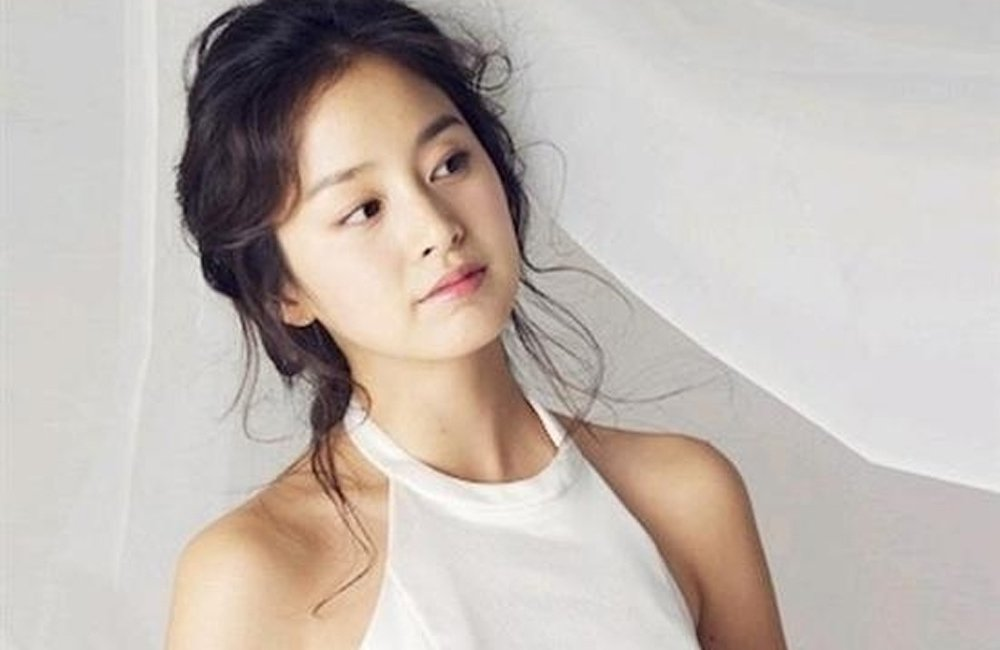 Photo Of Kim Tae Hee In A Wedding Dress Draws Attention As Wedding