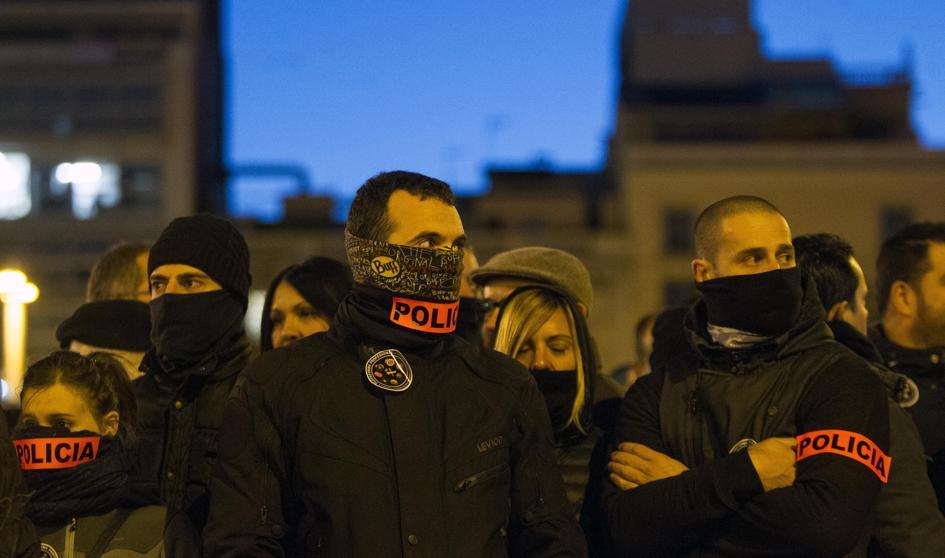 Bofetón del sindicato mayoritario de Mossos a la manifestación de policías https://t.co/lv6iLKX2T1 https://t.co/5HSm1pDdE3