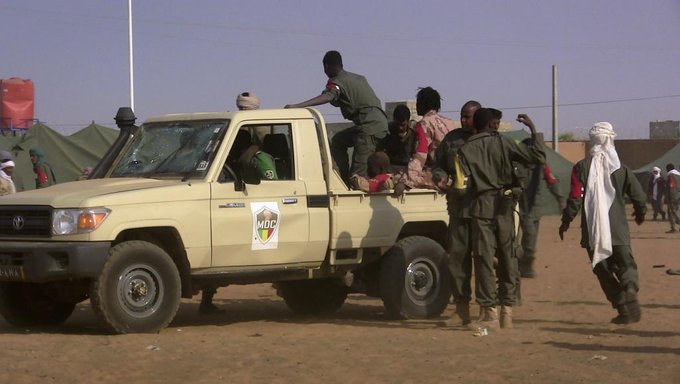 🇲🇱 #Mali Une soixantaine de morts après une attaque kamikaze à #Gao, revendiquée par un groupe affilié à #AQMI. https://t.co/be5dVT3smt