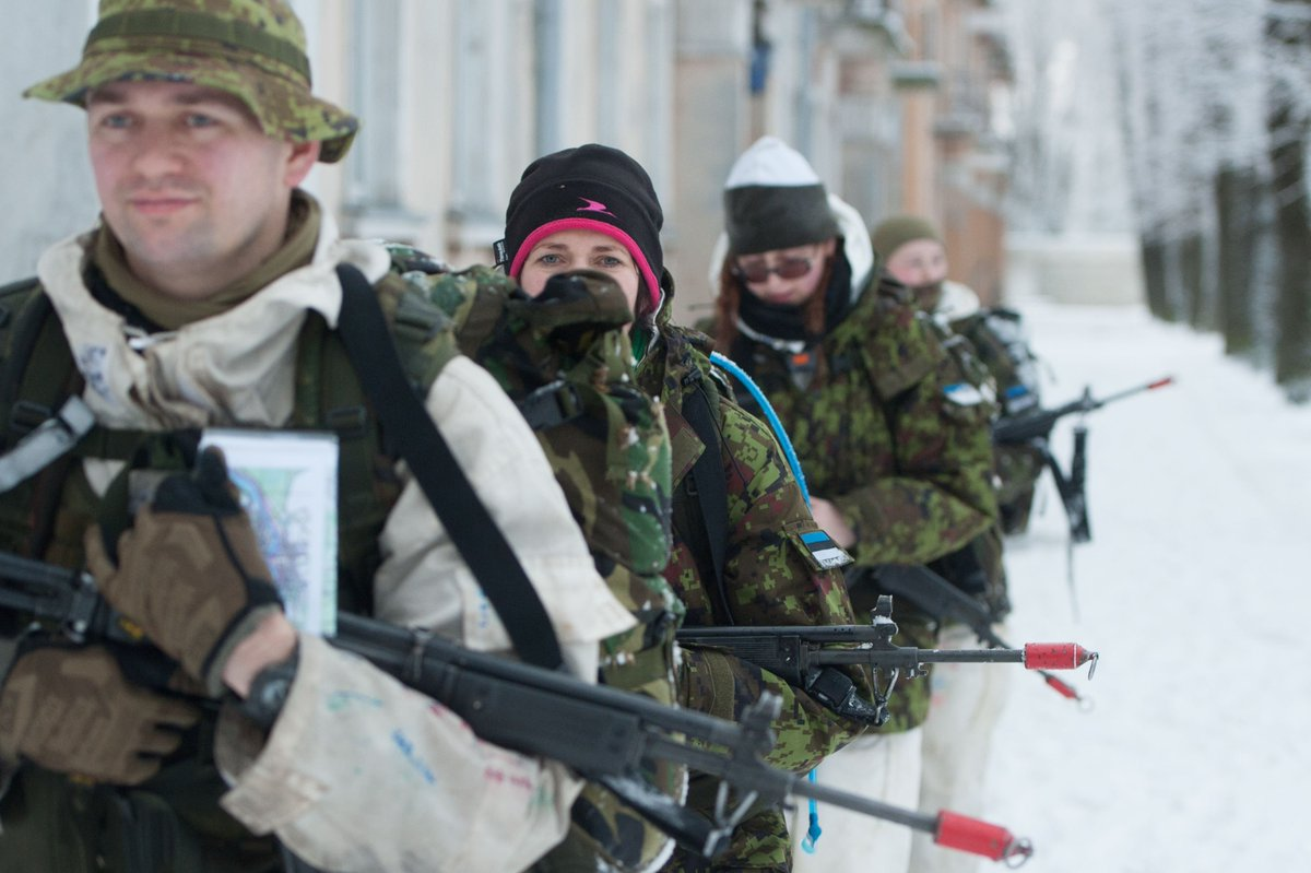 Estonians join paramilitary forces to face Russia fears