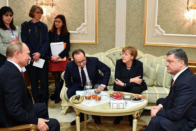 Putin, Merkel and Hollande discuss Ukraine, Syria https://t.co/wO0XfkMKzs https://t.co/Z69mEy5GlH
