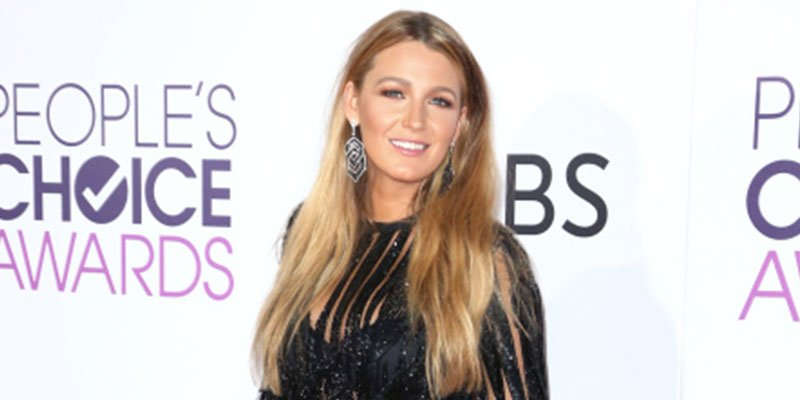 Blake Lively goes short, sheer and swingy at the PCAs via @peoplestyle