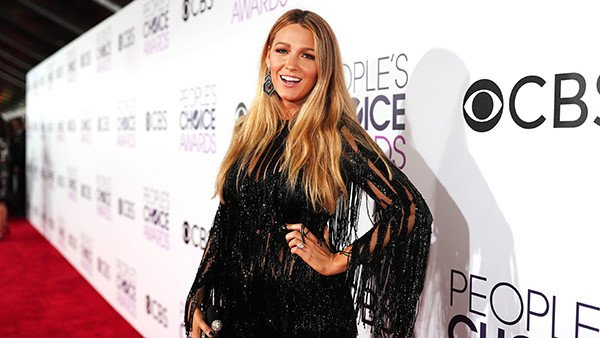 Blake Lively looked absolutely stunning at the PCAs. In other news, water is wet.