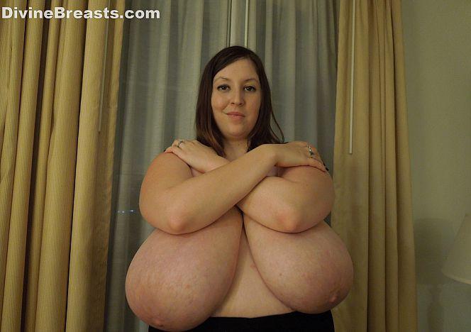 Mara #busty #hugeboobs #bbw see more at https://t.co/W5efr1RpL5 https://t.co/vD4GnwUeI8