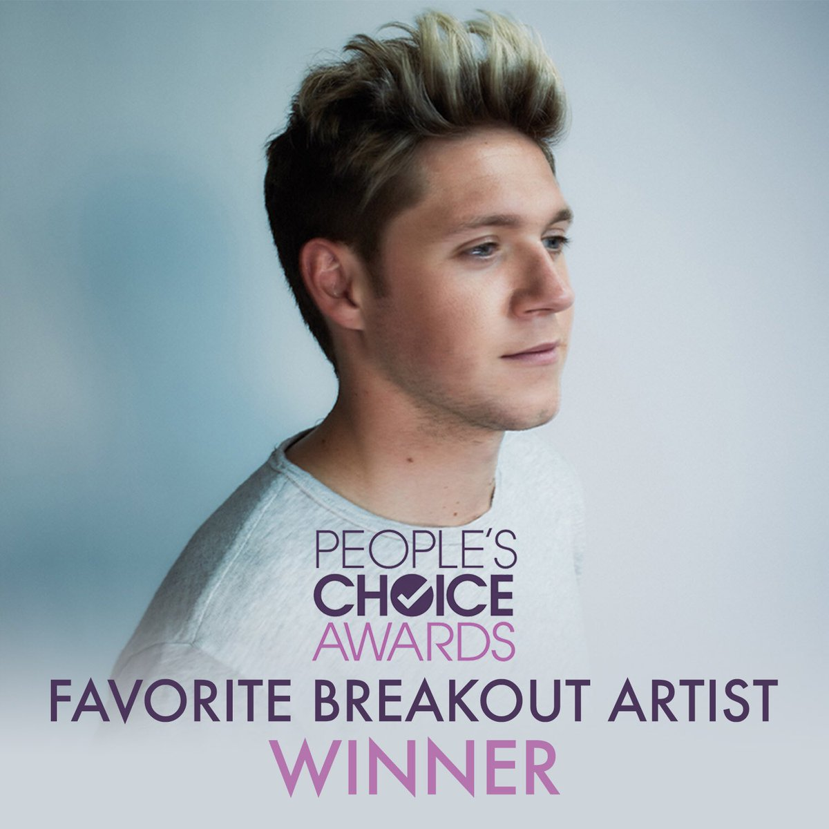 CONGRATS @NiallOfficial on your @peopleschoice award for Favorite Breakout Artist!