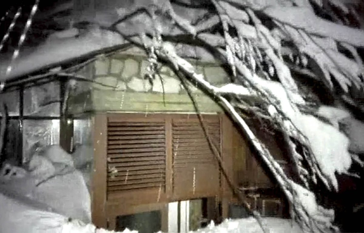 At least 30 missing after avalanche buries Italian mountainside hotel
